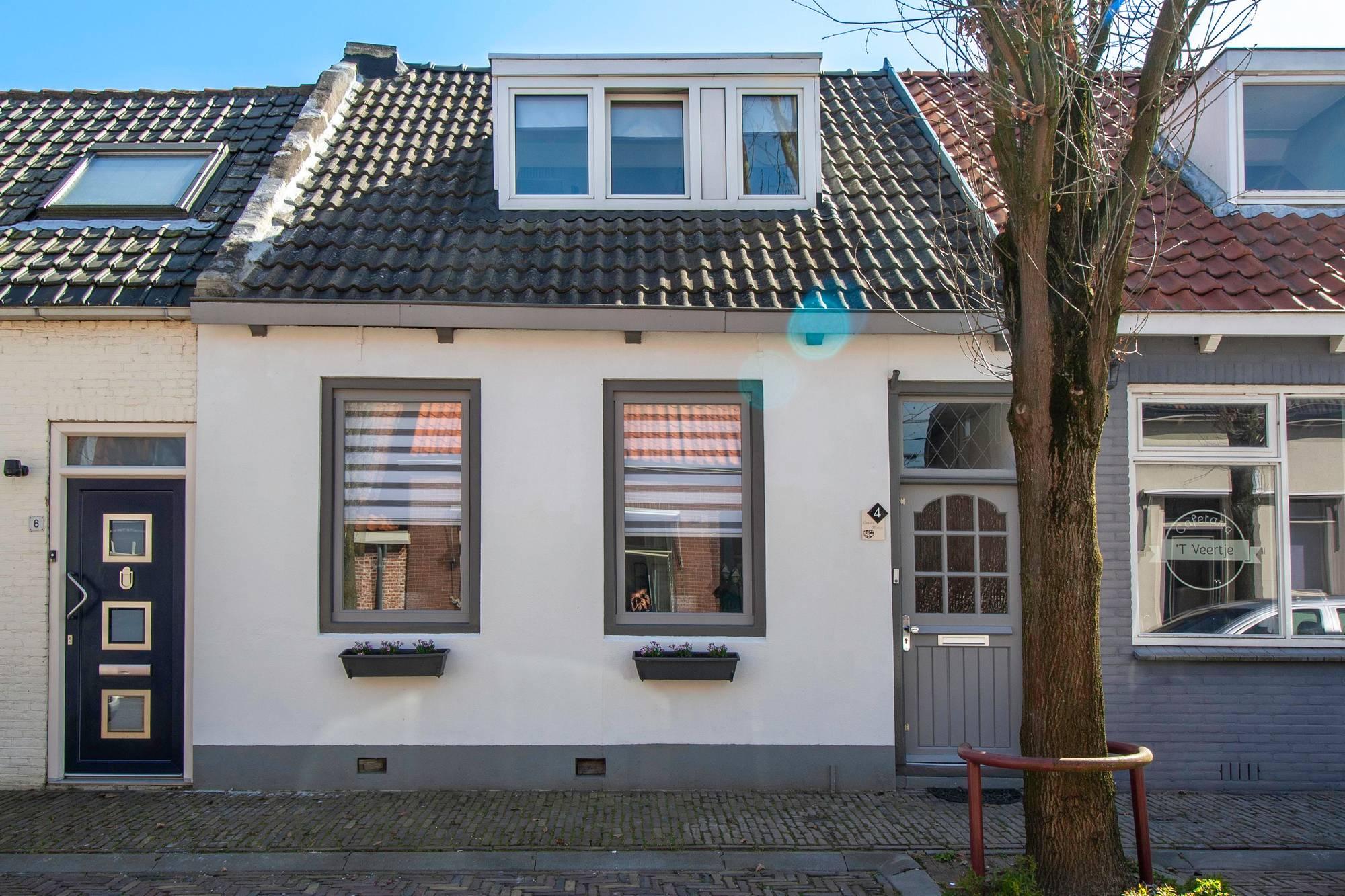 Kerkstraat 4, Nieuw- en Sint Joosland